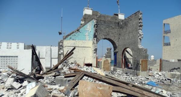 مناقشة إجراءات إعادة بناء رصيف السواح في عدن