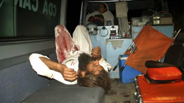 مقتل 40 شخصا بانفجار في مسجد بباكستان