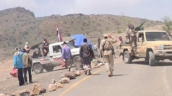  هجوم شرس للمقاومة الشعبية بالحشاء في الضالع واغتنام أسلحة والسيطرة على تباب