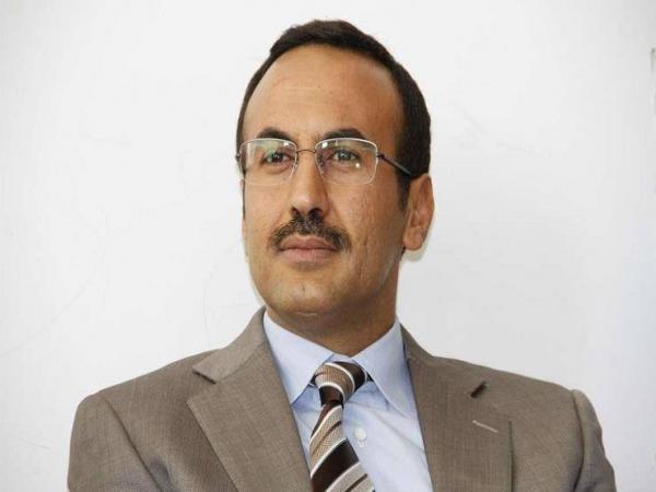 السفير أحمد علي عبدالله صالح يُعزي في وفاة الشيخ الحشيشي