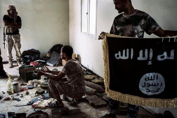 صحيفة أمريكية: داعش برز بعد فوضى &#34الربيع العربي&#34 في اليمن وتنافسه مع القاعدة تحول إلى نزاع دموي شامل