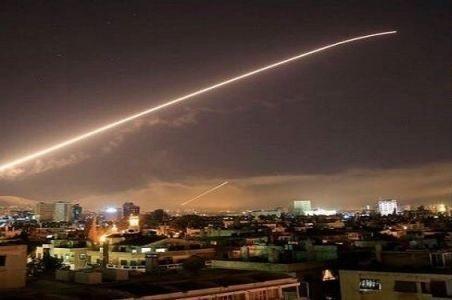 سوريا: إنذار خاطئ أدى إلى إطلاق صواريخ دفاعاتها الجوية