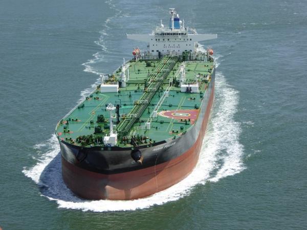 ارتفاع تكاليف التأمين على السفن بعد هجمات على ناقلتي نفط في خليج عُمان