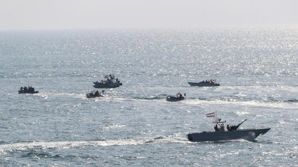 """مسؤول امريكي: سفن إيرانية أطلقت صاروخا على """"درون"""" أمريكية خلال اقترابها من ناقلتي النفط"""