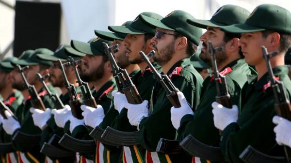 وول ستريت جورنال: الحرس الثوري يبحث عن مصادر تمويل جديدة في العراق وسوريا