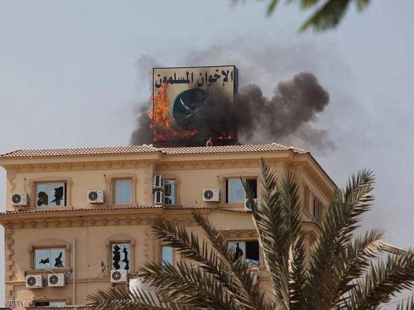 """الإخوان.. """"أصل الإرهاب"""" من المحيط إلى الخليج"""