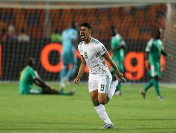 الجزائر تهزم السنغال وتتوج بلقب كأس الأمم للمرة الثانية في تاريخها