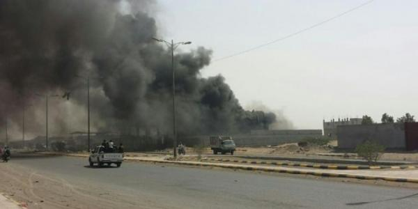 مليشيا الحوثي تتخذ من أهالي مدينة الدريهمي دروعاً بشرية بعد منعهم من النزوح