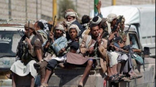 مليشيا الحوثي تقتحم منازل المواطنين بدمت الضالع وتختطف ثلاثة