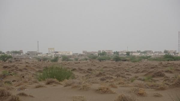 مليشيا الحوثي تجدد قصف مواقع المشتركة في التحيتا جنوب الحديدة