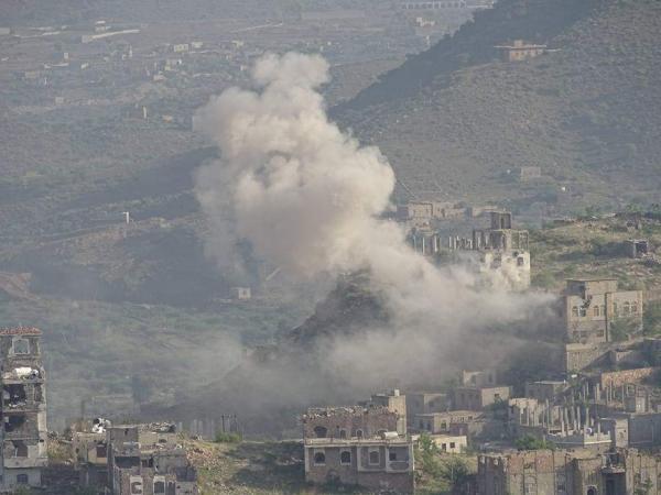 إصابة مدنيين بشظايا قذيفة حوثية في عصيفرة تعز