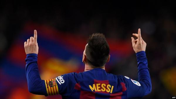 برشلونة يستعيد صدارة الدوري الإسباني بثلاثية ميسي