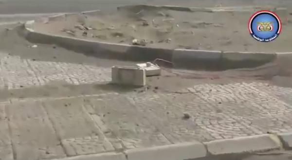 فيديو- الفرق الهندسية التابعة للمقاومة المشتركة تواصل تفكيك الألغام التي زرعتها المليشيا في الحديدة