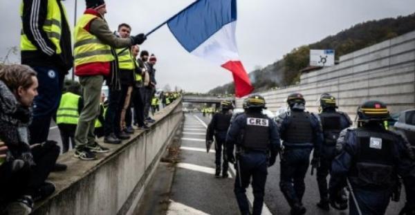 فرنسا: أكثر من 400 جريح وقتيل واحد في حصيلة جديدة للاحتجاجات ضد غلاء المعيشة