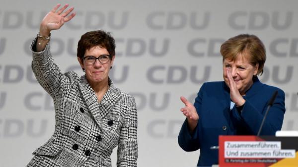 ألمانيا: أنغريت كرامب كارينباور تخلف ميركل في رئاسة الحزب المسيحي الديمقراطي