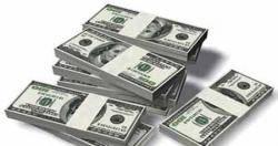 الأجهزة الأمنية في عدن تضبط أجنبي مزيف دولارات