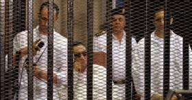 جنايات القاهرة تستانف محاكمة مبارك ونجليه في جلسة سرية