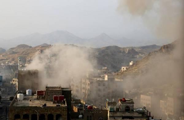 تعز: معارك في أحياء بالمدينة وقصف جوي على حيفان