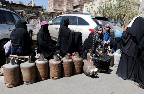 الحوثيون يفرضون على المستفيدين من الغاز المنزلي دفع رسوم إضافية