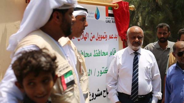 محافظ الحديدة وممثل هلال الإمارات يفتتحان مشروع مياه &#34موشج&#34 بالخوخة