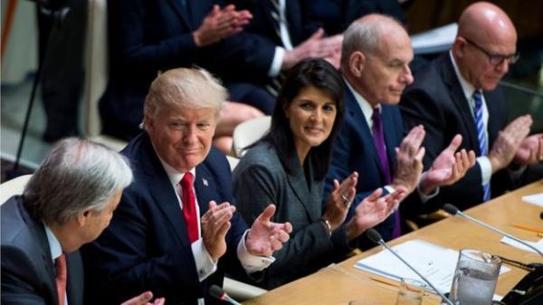 """سفيرة واشنطن السابقة لدى الأمم المتحدة نيكي هيلي: مسؤولان بالبيت الأبيض طلبا مني """"تقويض سلطة ترامب"""""""